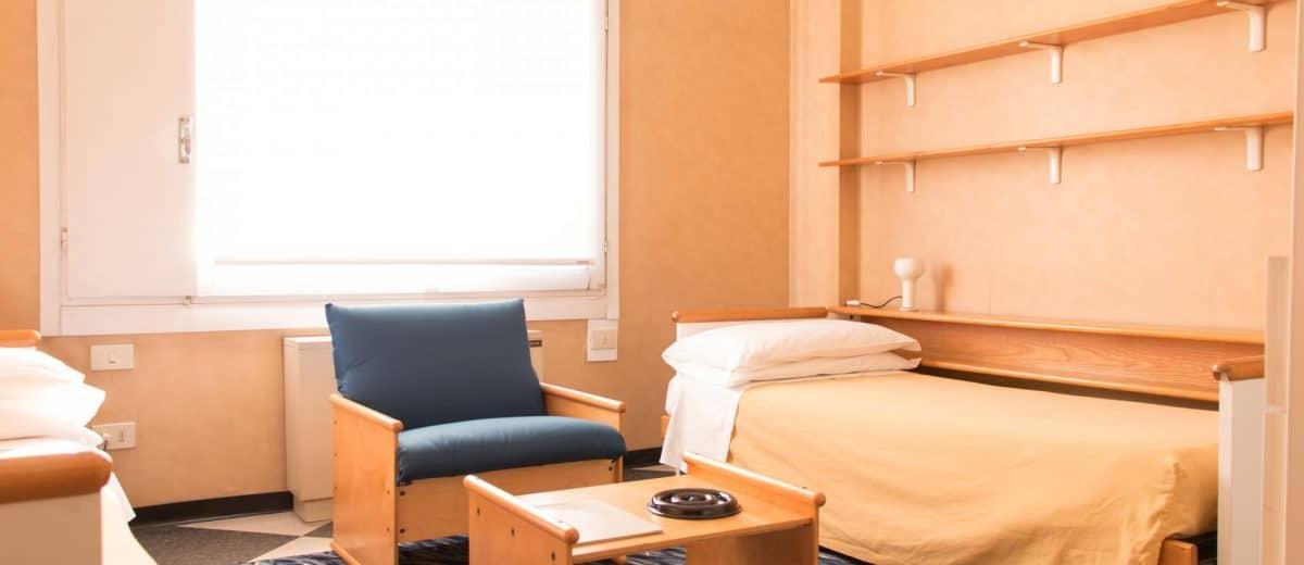 Room for rent in Via Antonio Cesari 001